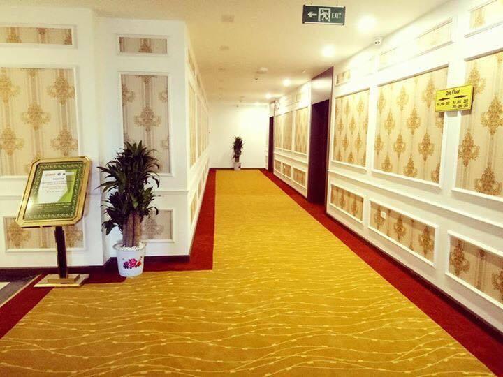 Khu vực hành lang khách sạn Grand