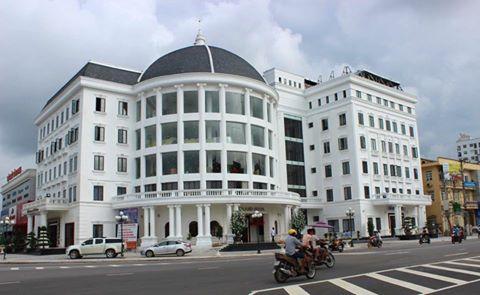Hình ảnh tòa nhà khách sạn Grand và nhà hàng Diamond